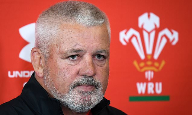Warren Gatland flies to New Zealand following his father's death