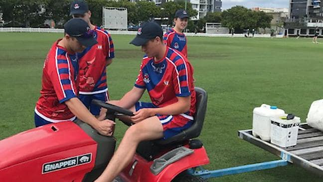 Renshaw gears up for Tests with timely ton