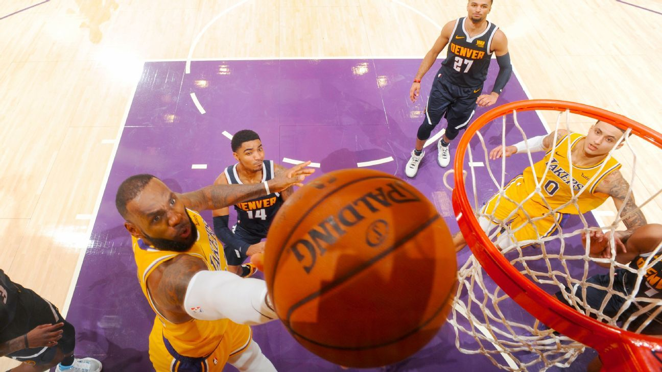 LeBron gets more L.A. firsts with Kobe on hand