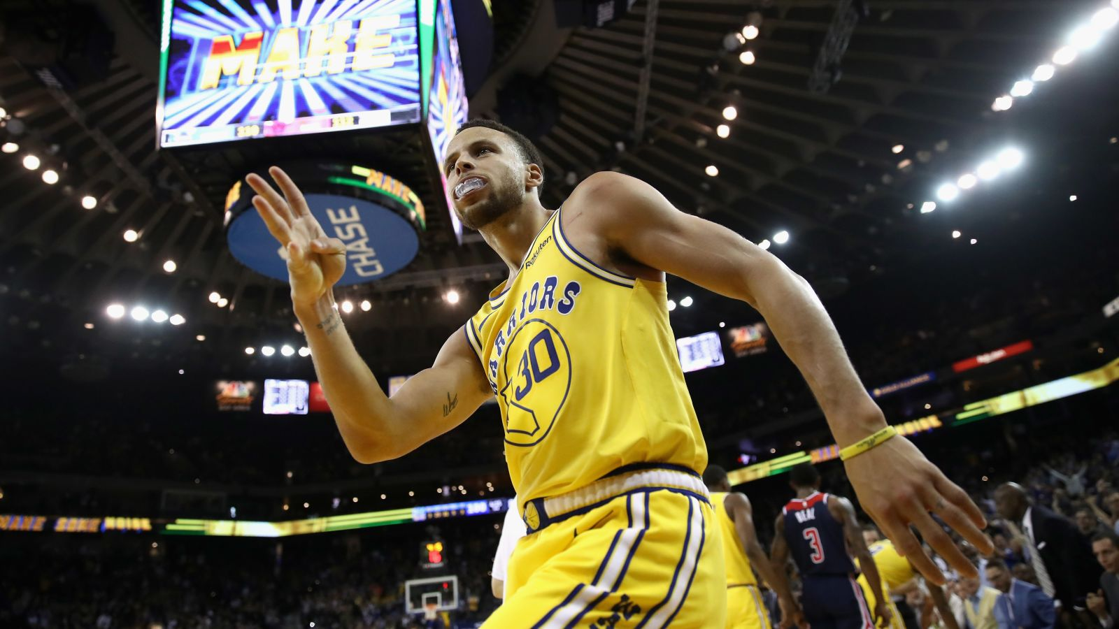 Public Service Announcement: Do Not Tug On Steph Curry's Brother's Shorts For Any Reason