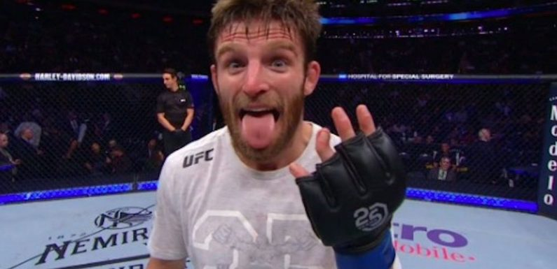 What happened to this UFC fighter's finger?