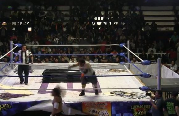 Watch: Wrestler knocked out when opponent hurls CONCRETE BLOCK at his head