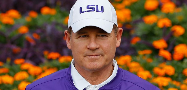 Les Miles is 'frontrunner' to become next coach at Kansas, report says