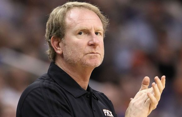 Suns owner Robert Sarver says he's '100 percent committed' to keeping team in Phoenix