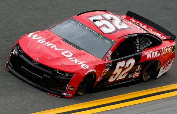 2019 Daytona 500: Race's first female tire changers ready to debut