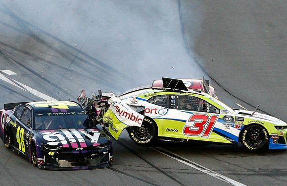 Daytona 500 2019: Wild crash ends on pit road, dooms Jimmie Johnson's chances