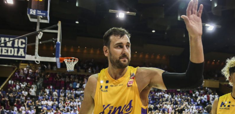 Bogut agrees to return to NBA champion Warriors