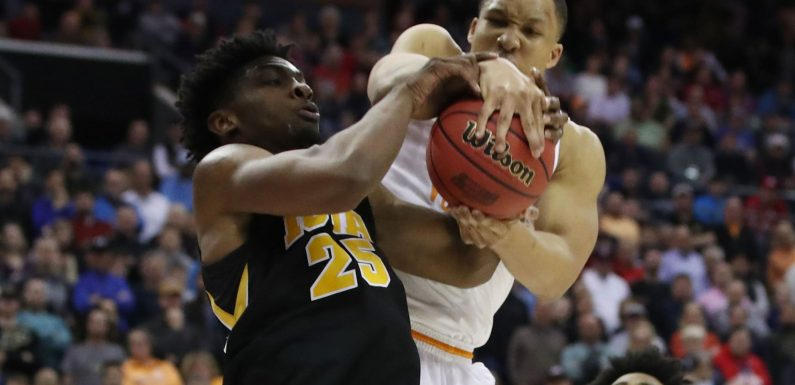 Opinion: Grant Williams saves Tennessee, Rick Barnes from historic March Madness collapse