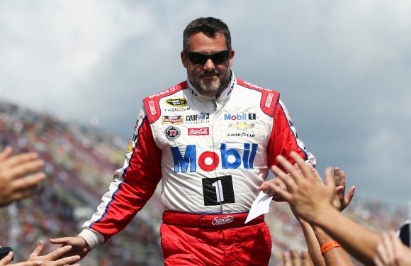 Tony Stewart headlines new nominees for NASCAR Hall of Fame class of 2020