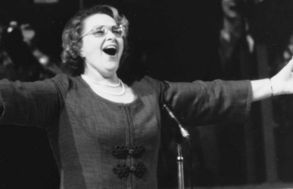 Yankees drop Kate Smith's 'God Bless America' after being told about her racist songs