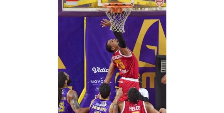Basketball: Singapore Slingers lose 87-74 to CLS Knights; Finals series tied at 2-2