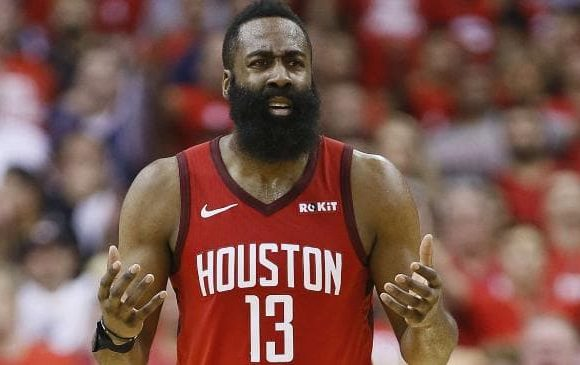 Fractured NBA team at breaking point