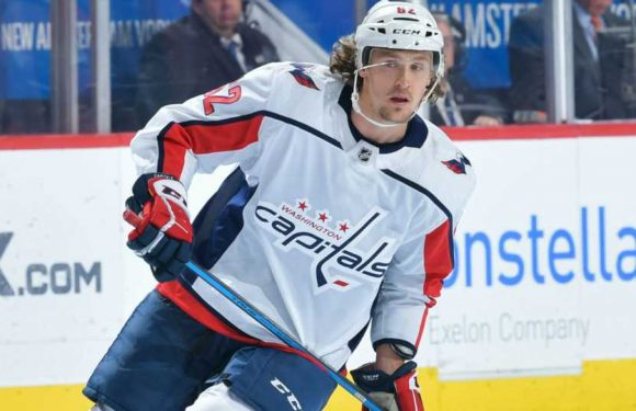 Capitals sign Carl Hagelin to 4-year extension