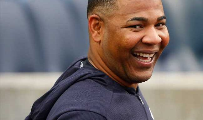 Yanks' Encarnacion excited by trade, 0-4 in debut