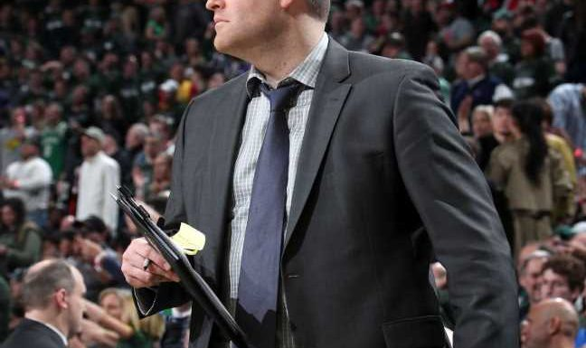 Sources: Grizzlies to hire Bucks' Jenkins as HC