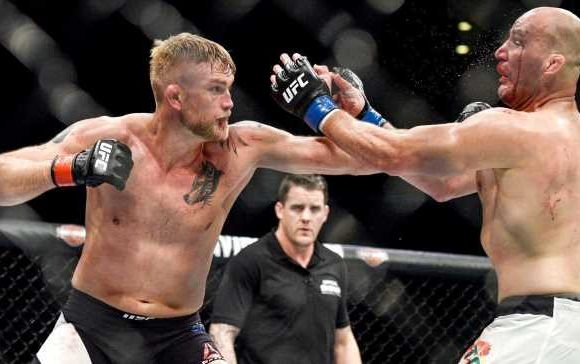 Key metrics support Gustafsson as the favorite over Smith at UFC Fight Night