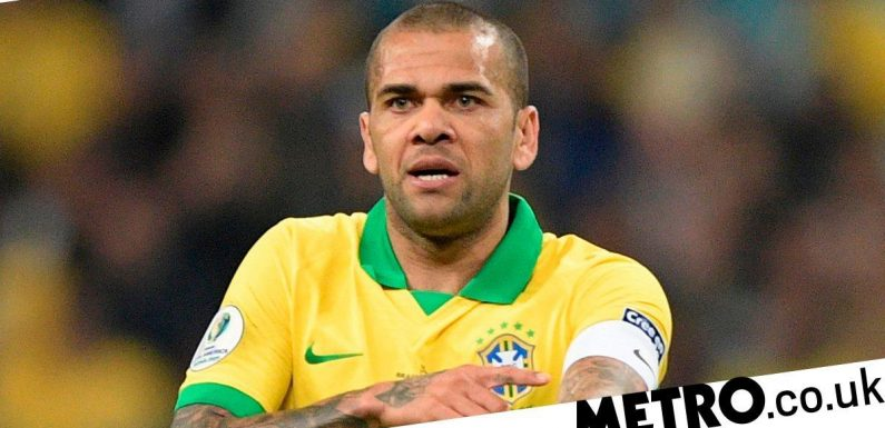 Dani Alves willing to join Arsenal on one condition