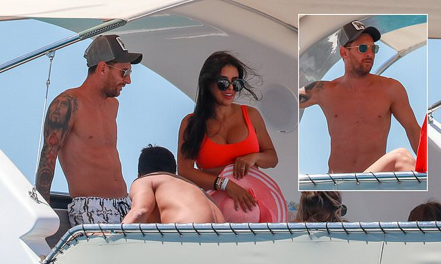 Lionel Messi kicks back with family and friends on yacht off Ibiza