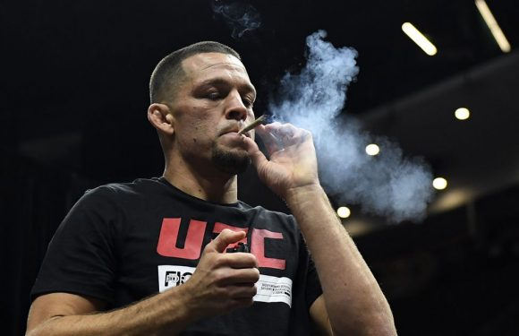 Nate Diaz smokes joint while working out ahead of UFC return