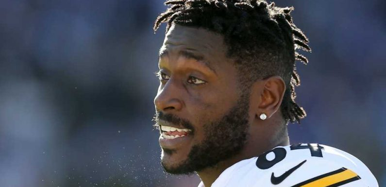 Antonio Brown threatens to hold NFL liable if he's injured wearing new helmet, report says