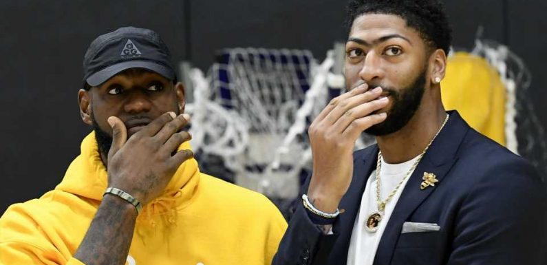 LeBron James organizing Lakers minicamp to help team bond, report says