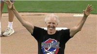 Bill Walton Has The Time Of His Life At The Padres Game