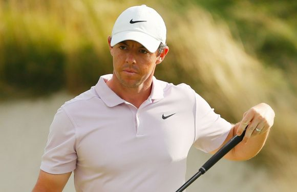 Rory McIlroy avoids penalty after bunker drama at The Northern Trust