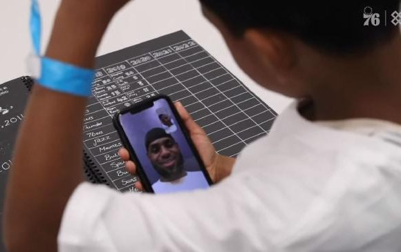 Aussie kid gets to FaceTime with LeBron