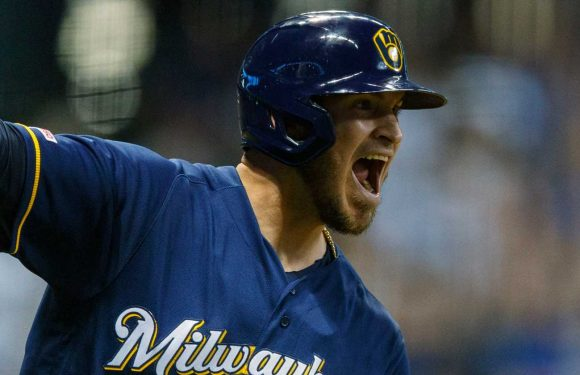 White Sox sign catcher Yasmani Grandal to four-year, $73 million deal