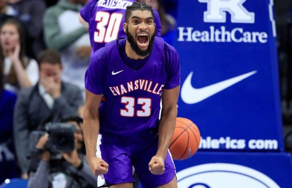 For 3: With upset of Kentucky, it's 'a great day to be a Purple Ace'