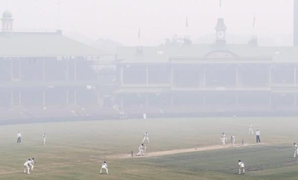 Sydney smoke: Conditions like 'smoking 80 cigarettes a day' at SCG in Sheffield Shield