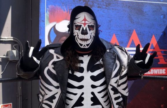 Wrestler La Parka dies two months after sustaining serious injuries in ring fall