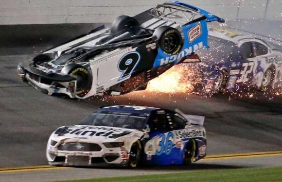 Inside the chaotic final two laps of the 2020 Daytona 500