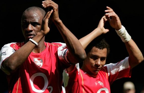 Gilberto Silva admits Arsenal's efforts to replace him are 'painful'