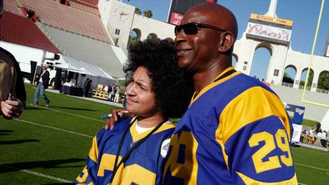Dickerson to talk fans' logo concerns with Rams