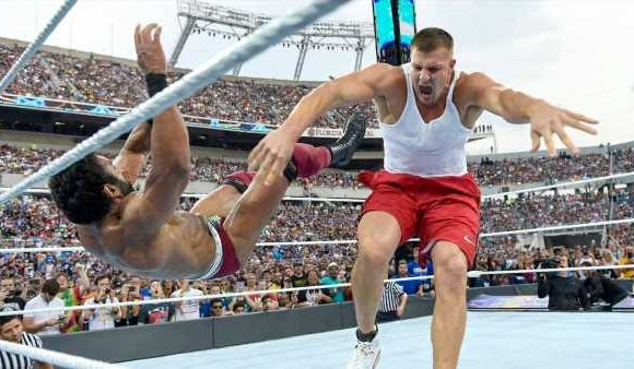 Gronk, Muhammad Ali and other pro sports cameos at WrestleMania
