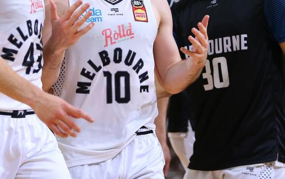 12 Melbourne United NBL players test positive for COVID-19 amid Victoria 'disaster'