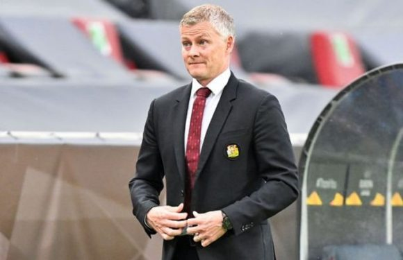 Man Utd fans blasted by club hero as board fired Ole Gunnar Solskjaer transfer message