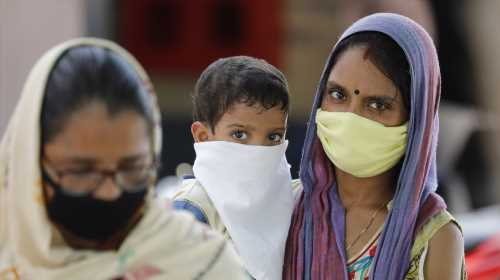 Accelerating outbreak sends India's coronavirus cases above 5 mln
