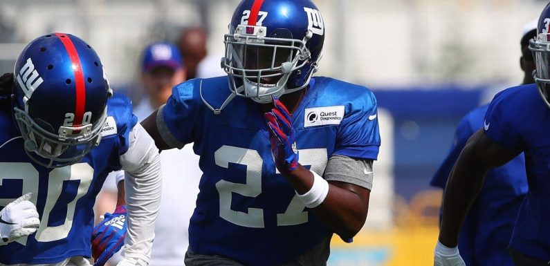 Giants waive CB Baker amid robbery charges