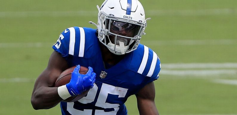 Colts lose RB Mack to torn Achilles, source says
