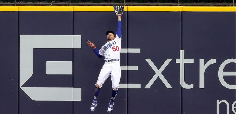 Electric Mookie Betts catch protects Dodgers' lead in NLCS Game 6