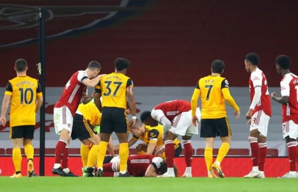 David Luiz and Raul Jimenez in sickening clash of heads during Arsenal vs Wolves clash