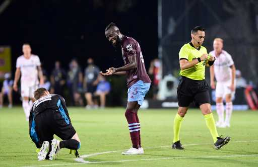 Rapids looking to upset Kei Kamara's Loons in MLS playoffs