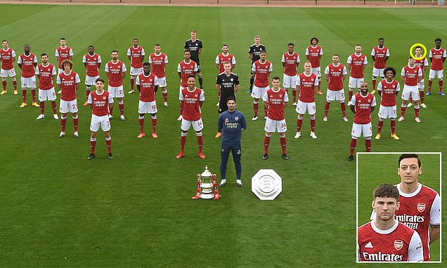 Exiled Mesut Ozil included in socially distanced Arsenal team photo