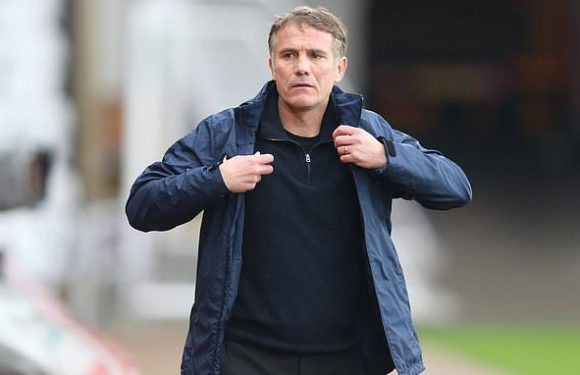 Sunderland sack Phil Parkinson after five games without a win