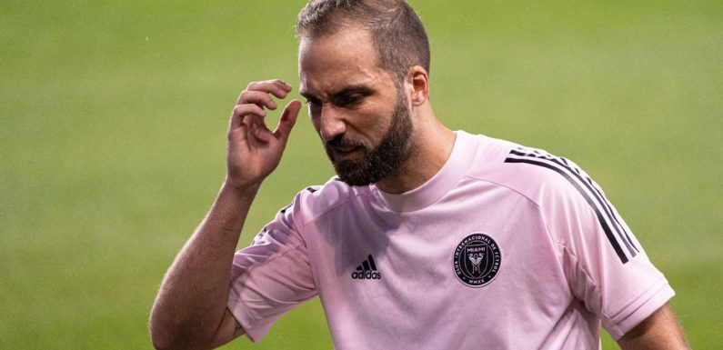 Source: Higuain out of playoff after positive test