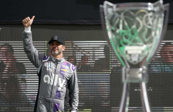 NASCAR gives Jimmie Johnson a retirement sendoff befitting his legacy before final race