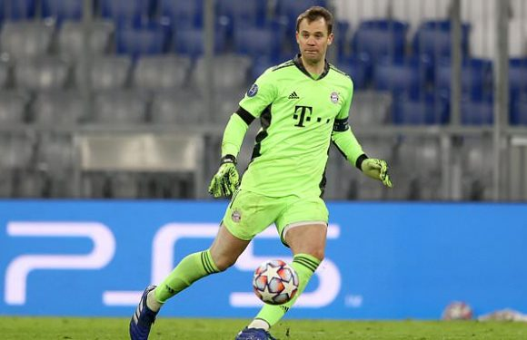 Bayern chief Rummenigge hails Neuer as 'best goalkeeper of all time'