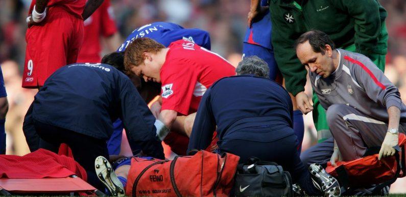 Alan Smith's foot hanging loose left John Arne Riise feeling 'sick'